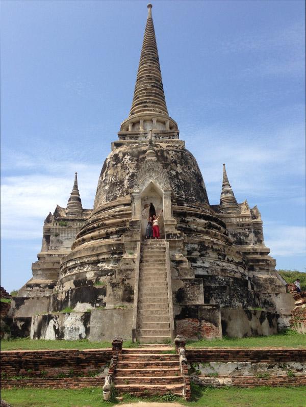 """""""Wat Phra Si Sanphet"""" gilt als die schönste Tempelanlage Ayutthayas – die drei großen Chedis beherbergen die Asche zweier Könige Siams."""