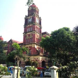 Myanmar war bis 1948 britische Kolonie – in vielen Ecken findet man noch entsprechende Architektur.