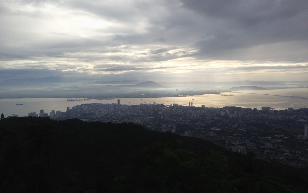 Blick auf George Town vom Penang Hill