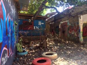 Viel Grafitti – und immer, wenn du dich umdrehst, entdeckst du noch mehr Kunst!